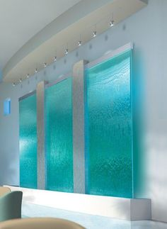 How cool is that! I love the sound of water/waterfall/rain. I would love a water fountain as headboard! In a tropical forest/green theme! I can hear it now