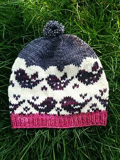 Fly Away Hat pattern by Laura Reinbach