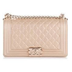 CHANEL Pearly Caviar Medium Boy Flap Gold ❤ liked on Polyvore featuring bags, handbags, bags/clutches, chanel, purses, handbag purse, chanel shoulder bag, man shoulder bag, evening hand bags and evening purses