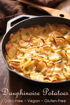 Dairy-Free Dauphinoise Potatoes Recipe: A Creamy Vegan Gratin Whole Foods, Whole Food Recipes, Cooking Recipes, Dessert Recipes, Recipes Dinner, Lunch Recipes, Breakfast Recipes, Patate Dauphinoise, Creamy Scalloped Potatoes