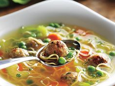 Turkey Meatball Soup from Canadian Living.looks good will try. Healthy Family Meals, Kids Meals, Healthy Snacks, Healthy Eating, Healthy Recipes, Soups For Kids, Kids Soup, Turkey Meatball Soup, Soup Recipes