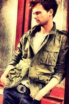 Matthew Gray Gubler | Dr. Spencer Reid Criminal Minds.