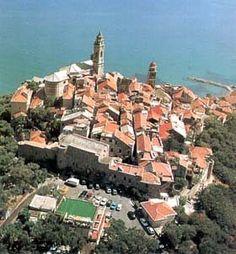 Google Image Result for http://www.emmeti.it/Welcome/Liguria/RivieraFiori/Cervo/img/cervo.jpg
