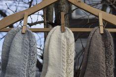 Lace Socks, Ravelry, Knitting Socks, Mittens, Bags, Pattern, Scarves, Design, Knit Socks