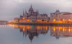Living room home wall modern decoration canvas fabric poster art budapest hungary river danube evening landscape Laptop Backgrounds, Cute Backgrounds, Wallpaper Backgrounds, Wallpapers, Flower Wallpaper, Europe Wallpaper, Las Vegas Slots, Danube River Cruise, East Of The Sun