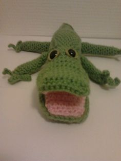 Crochet crocodile Crochet Geek, Crochet Dolls, Knit Crochet, Alligators, Crocodiles, Reptiles And Amphibians, Crochet Animals, Amigurumi Patterns, Design Crafts