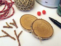 Készítsük elő a hozzávalókat. Wood Slices, Christmas Crafts, Wood Decorations, Fa, Wood Rounds, Wood Boards, Wood Trim, Tree Decorations