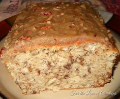 Praline Apple Bread - This bread is delicious and is perfect to make for the holidays.