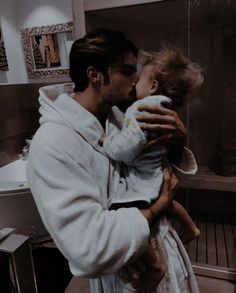 Cute Family, Baby Family, Family Goals, Family Kids, Cute Little Baby, Little Babies, Cute Babies, Father And Baby, Baby Daddy