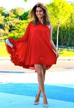 Limoneta : My red dress / Limoneta : Mi vestido rojo Red Fashion, Fashion Dresses, Baby Dress Tutorials, Classy Casual, Metallic Dress, Mode Hijab, Western Dresses, Minimal Fashion, Mode Style