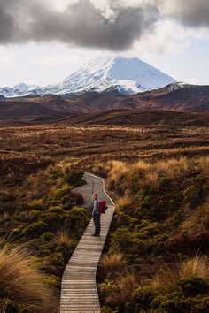 Hiking Tama Lakes In Winter, Tongariro National Park, New Zealand New Zealand Travel, Windy Day, South Island, Day Hike, Emerson, Nice View, Lakes, Landscape Photography, National Parks
