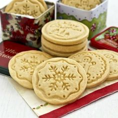 Delicious Christmas treats | Snowflake cookies, Sugar cookies and ...