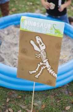 Looking for a dinosaur party with a mod twist? This Modern Dinosaur Birthday Party at Kara's Party Ideas has slick dino party ideas. Dinosaur Birthday Party, 4th Birthday Parties, Birthday Fun, Birthday Crafts, Birthday Ideas, Third Birthday, T Rex, First Birthdays, Party Ideas