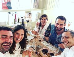 ... Tasting possible future releases of MAÇANITA - brother and sister - 1 wine two winemakers  5 winelovers - with master Hugo Nascimento Stay tuned! Its going to be something unique!! #maçanita #maçanitavinhos #vinhos #douro #portugal #tascadaesquina #winelover #food by nmacmouronho