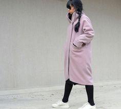 Purple Wool Coat with High Neck, Hot Pink Pocket #hotpinkcoat #highneckcoat #purplecoats #pinkflamingocoat #purplewoolcoat #hotpinktunic #pockettunic #bubblegumpink #asymmetricalcoat #fashionmaternity #trendingplussize #plussizefashion #midicoat