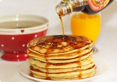 Americans usually have pancakes for breakfast. Its usually eaten around between 6:30AM~9:30AM.