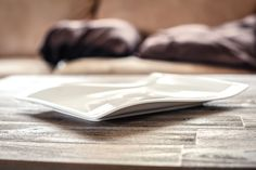 These are the plates for celebration. Celebration with pastry. It's from the New Wave collection by Vileroy & Boch.