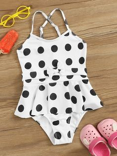 To find out about the Girls Polka Dot Peplum One Piece Swimsuit at SHEIN, part of our latest Girls Swimwear ready to shop online today! New Fashion Trends, Teen Fashion, Bling Baby Shoes, Girls Bathing Suits, One Piece Outfit, Summer Suits, Swimsuits, Swimwear, Glamour