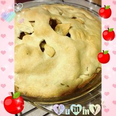 """happy October! I made an apple pie for the occasion complete w/one of the decorative leaves on the top """"falling"""" into the pielolol! what are you looking forward to nomming now that the season has changed?#food #baked #applepie #fall #autumn #foodporn #yum #delicious #leaves #pinkamycakesbakes #apple #pie #applepie #october #tistheseason"""