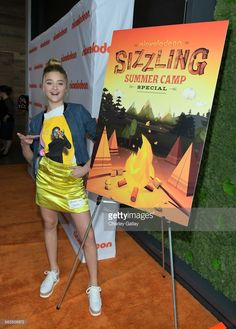 Lizzy Greene attends Nickelodeon's Sizzling Summer Camp Special Event on May 15, 2017 in Burbank, California.
