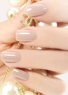 uñas perfectas,color natural,colores chic