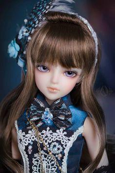 Thea paranoai Doll I