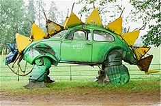 Dando novos usos para carros abandonados.