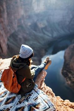 12 Travel Photography Poses That You Must Try For Your Next Trip Adventure Awaits, Adventure Travel, Adventure Quotes, Photography Poses, Travel Photography, Mountain Photography, Foto Glamour, Travel Alone, Adventure Is Out There