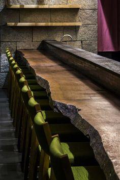 「春夏冬 蕎麦」 所在地:9 Le Thanh Ton, Dist.1, Hochiminh-city, Vietnam オープン:2015年10月 設計:DESIGN & CREATIVE ASSOCIATES Co., ltd. 川口淳志 床面積:170㎡ 客席数:43席