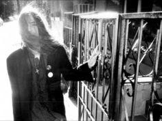 Patti Smith - Strange Messengers