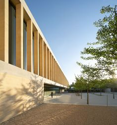 Hufton + Crow Photographic Portfolio - Photographs of Interior and Exterior Architecture The Sainsbury Laboratory, Cambridge by Stanton Williams Architects http://www.huftonandcrow.com/portfolio/ 4 April 2015