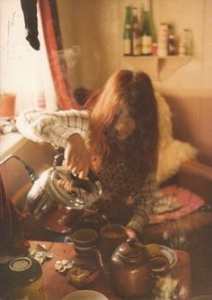 Image via We Heart It https://weheartit.com/entry/91720881 #coffee #coffeeshop #cozy #girl #goodmorning #Grudge #hipster #indie #kitchen #morning #pretty #redhead #tea #teatime #vintage
