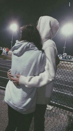 40 Sweet And Goofy Couples In Hoodies To Make You Wanna Fall In Love Right Now - Page 20 of 40 Relationship Goals boyfriend goals