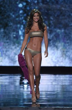 Mariana Jimenez Photos - Miss Venezuela Mariana Jimenez, competes in the swimsuit competition during the 2015 Miss Universe Pageant at The Axis at Planet Hollywood Resort & Casino on December 2015 in Las Vegas, Nevada. - The Annual Miss Universe Pageant Miss Universe Swimsuit, Swimsuit Competition, Swimsuits, Bikinis, Swimwear, Planet Hollywood, Fit Board Workouts, Pageant, Nevada