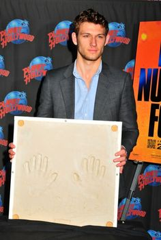 Alex Pettyfer heats up Planet Hollywood