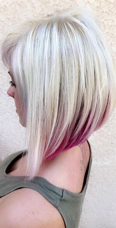 Messy Bob Hairstyles, Easy Hairstyles For Medium Hair, Haircuts For Fine Hair, Medium Hair Styles, Short Hair Styles, Short To Medium Haircuts, Angled Bob Haircuts, Undercolor Hair, Mom Haircuts