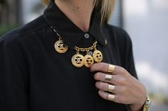#StreetStyle accessories: Chanel necklace & Maison Martin Margiela 4 Finger rings