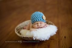 I need to get baby sev a cute hat for his/her photo shoot this summer ..or at least the photographer has one!