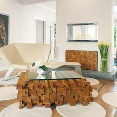 Vejam que show esta mesa de centro feita de madeira!