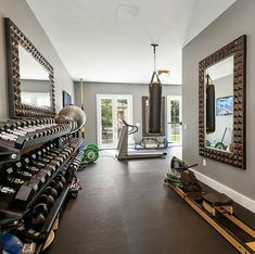 When it comes to designing your home gym, one of the primary advantages of deciding to go with rubber flooring is the many styles and looks you can create with this modern type of surface!  #homegym #homegymlife #homegymsetup #workoutwednesday