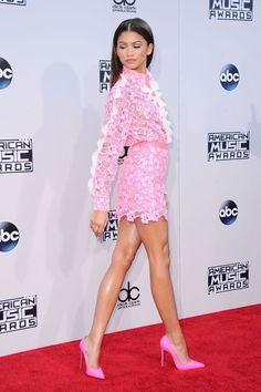 Zendaya in Emanuel Ungaro Look at 2015 American Music Awards Mode Zendaya, Estilo Zendaya, Zendaya Outfits, Zendaya Style, Zendaya Dress, Zendaya Coleman, Beautiful Female Celebrities, Hot High Heels, American Music Awards