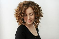 awesome curls / cut She lists the products she uses