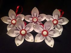 Set of 5 red/white Christmas origami Kusudama by TheCornerPaper