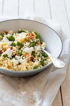Parelcouscous salade met asperges