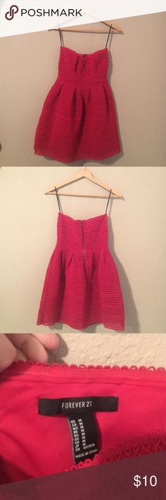 Going out dress Fun/flirty/fashionable. This dress is perfect for a night out. The quality is amazing considering the brand/price. Worn once and was complemented often. Enjoy! Forever 21 Dresses Strapless