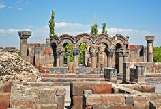 Armenia Light – Sidon Travel Roman Architecture, Local Tour, Ancient Ruins, Cool Countries, Armenia, Barcelona Cathedral, Adventure Travel, Trek, Paths