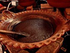 El mole, netamente mexicano, es un platillo tradicional y delicios Mole Poblano Recipe, Mole Recipe, Mexican Menu, Mexican Dishes, Mexican Party, Mexican Mole Sauce, Best Mexican Recipes, Mexican Kitchens, Comida Latina