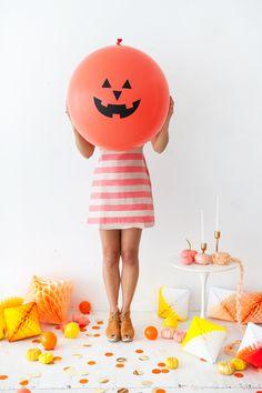 Giant Jack O' Lantern Balloons Happy Halloween, Halloween Party Decor, Halloween 2020, Halloween House, Holidays Halloween, Halloween Costumes For Kids, Diy Party, Diy Halloween, Halloween Inspo