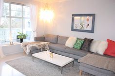 Stue 2 Real Estate, Couch, Furniture, Home Decor, Velvet, Settee, Decoration Home, Sofa, Room Decor
