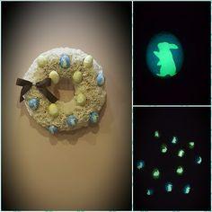 Ötletes Blog: Muffin papírból Húsvéti koszorú Christmas Bulbs, Muffin, Holiday Decor, Children, Blog, Home Decor, Infants, Homemade Home Decor, Decoration Home